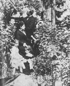 JAS y familia A